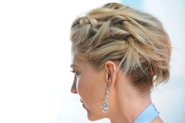 Elegant and Modern Updo Inspiration