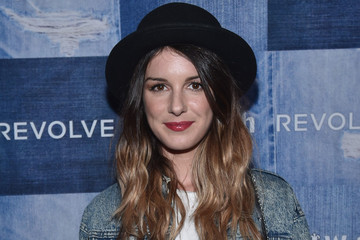 Shenae Grimes' Casual-Cool Style