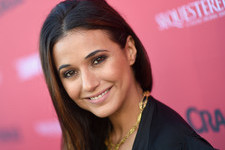 How Emmanuelle Chriqui Keeps Her Cool