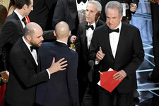 This Audience Reaction Photo to the Oscars Gaffe is Simply Incredible