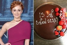 Sophie Turner Fuels Jon Snow Speculation With a Chocolate Cake