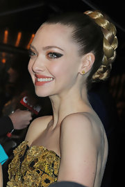 Amanda's thick braided bun at the 'Les Miserables' premiere was the epitome of modern romance.