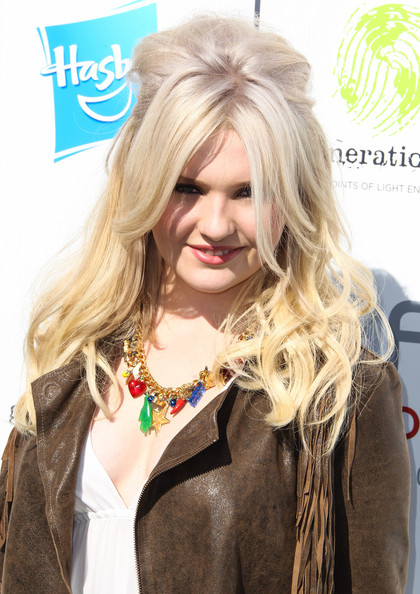 Abigail Breslin Half Up Half Down