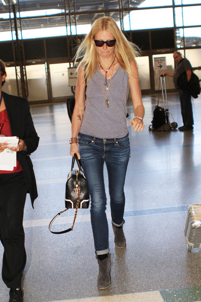 More Pics of Gwyneth Paltrow Leather Bowler Bag (4 of 13) - Gwyneth Paltrow Lookbook - StyleBistro
