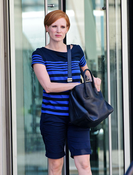 More Pics of Jessica Chastain Bermuda Shorts (1 of 12) - Jessica Chastain Lookbook - StyleBistro