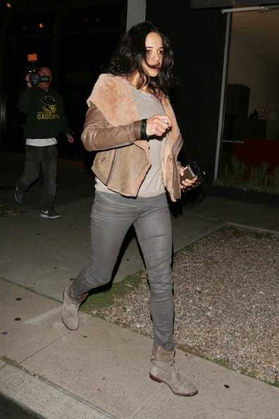 More Pics of Michelle Rodriguez Bomber Jacket (1 of 6) - Michelle Rodriguez Lookbook - StyleBistro