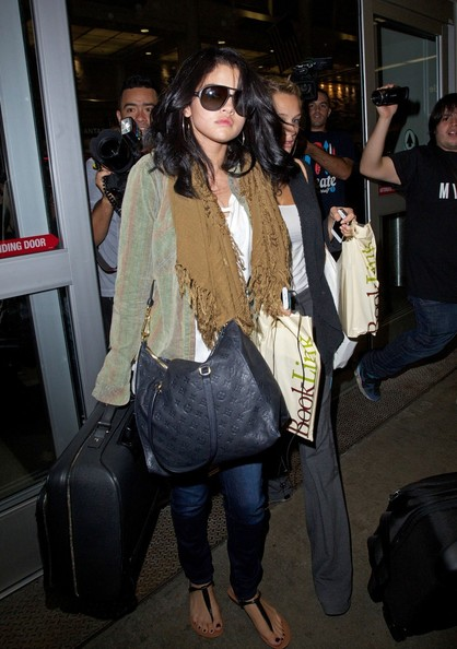 More Pics of Selena Gomez Aviator Sunglasses (1 of 28) - Selena Gomez Lookbook - StyleBistro
