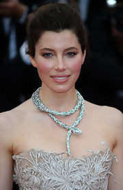 Jessica Biel definitely made a statement on the red carpet when she rocked this wrap-around snake statement necklace that featured emerald green coloring.