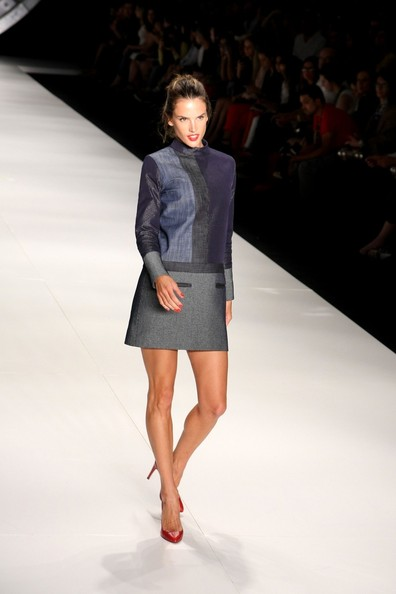 More Pics of Alessandra Ambrosio Mini Dress (1 of 15) - Mini Dress Lookbook - StyleBistro
