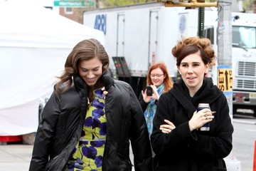 Allison Williams Zosia Mamet The 'Girls' Cast Hangs Out on Set