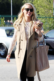 Amber Heard subtly toughened her street style with a studded leather tote.