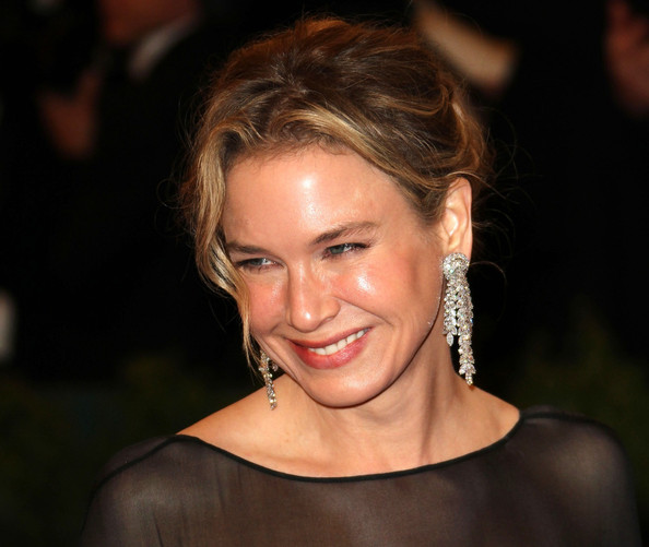 More Pics of Renee Zellweger Diamond Ring (1 of 6) - Renee Zellweger Lookbook - StyleBistro