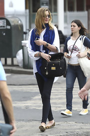 Ana Beatriz Barros took a stroll around New York City carrying a stylish black single-strap tote.