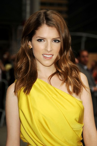 More Pics of Anna Kendrick One Shoulder Dress (1 of 16) - Anna Kendrick Lookbook - StyleBistro