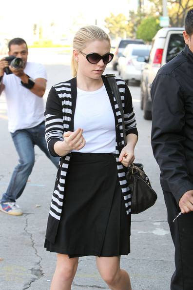 More Pics of Anna Paquin Ballet Flats (1 of 9) - Anna Paquin Lookbook - StyleBistro