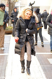 AnnaSophia Robb showed her wild side while filming 'The Carrie Diaries' in these print skinny pants.