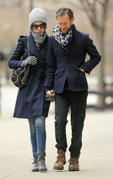 More Pics of Anne Hathaway Patterned Scarf (1 of 19) - Patterned Scarf Lookbook - StyleBistro