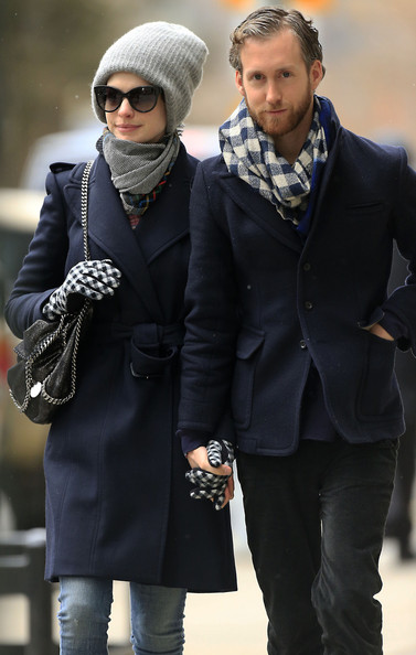 More Pics of Anne Hathaway Patterned Scarf (2 of 19) - Patterned Scarf Lookbook - StyleBistro