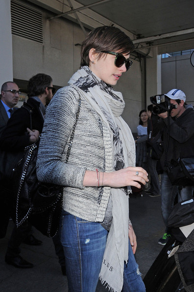 More Pics of Anne Hathaway Cardigan (1 of 17) - Anne Hathaway Lookbook - StyleBistro