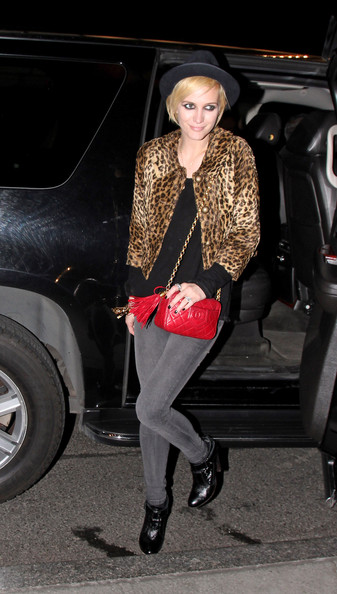 Ashlee Simpson Chain Strap Bag