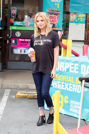 Ashley Benson's ripped up tee gave the actress a cool punk feel.