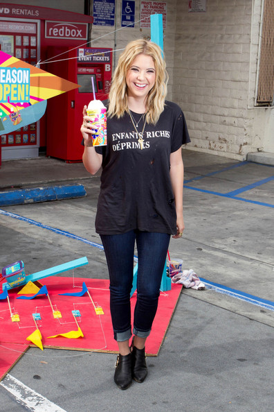 More Pics of Ashley Benson Skinny Jeans (1 of 17) - Skinny Jeans Lookbook - StyleBistro