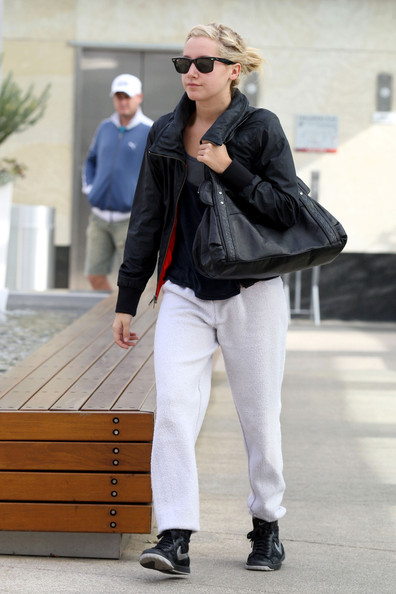 More Pics of Ashley Tisdale Wayfarer Sunglasses (1 of 8) - Ashley Tisdale Lookbook - StyleBistro