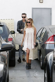 Ashley Tisdale looked totally hippie-chic with this free-flowing, white laced dress.