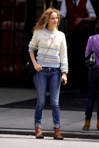 More Pics of Isabel Lucas Crewneck Sweater (1 of 7) - Tops Lookbook - StyleBistro