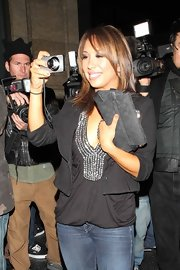 While snapping a few pics of the photog's, Cheryl Burke showed off her Gucci print clutch.