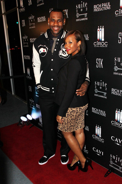 Savannah looked chic in a leopard print skirt and black blazer for celebrating LeBron's 26th birthday.