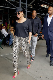 Beyonce Knowles stepped out for lunch in NYC wearing a pair of hot pink and clear stilettos.
