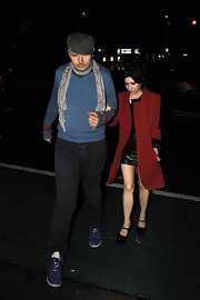 Lisa Origliasso was spotted at the Trademark Hotel wearing a nice trenchcoat.