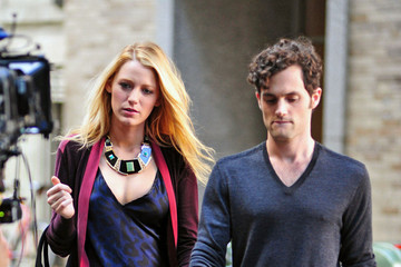 Blake Lively Penn Badgley Blake Lively and Penn Badgley on Set