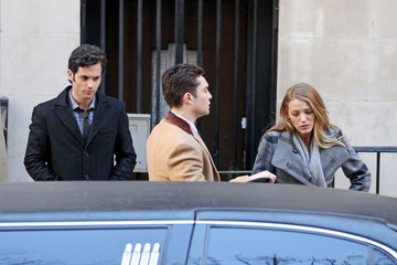 Blake Lively Ed Westwick Blake Lively and Penn Badgley on Set