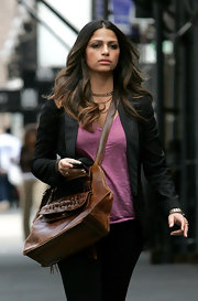 Looking super chic, mommy Camila Alves looked ready to take on the world in her NYC outfit. Her purple top, black blazer and tan leather Chelsea tote gave her a sophisticated look.