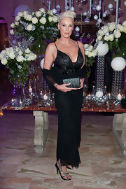 Brigitte Nielsen wore this daring neckline with such confidence!