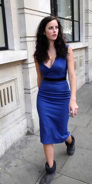 Kaya Scodelario looked stunning (if you block out the boots) in a low-cut cobalt sheath dress that hugged her curves perfectly.
