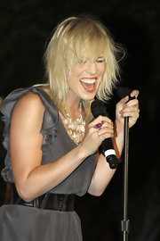 Natasha Bedingfield took to the stage wearing this crystal statement necklace.