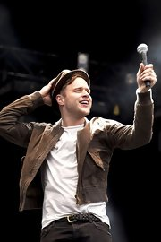 Olly Murs rocked a stage in his Scotland show as much as he rocked a brown suede jacket.