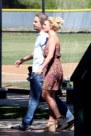 Britney Spears watched her son play baseball in tan leather espadrille wedges.