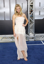 Brooklyn Decker looked sweetly ethereal at the 'Battleship' premiere in this white silk dress.