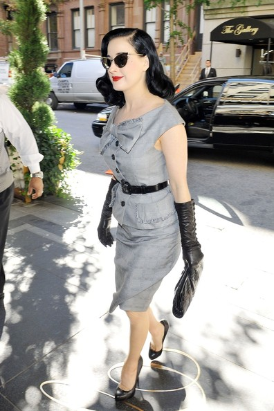 More Pics of Dita Von Teese Leather Belt (1 of 29) - Leather Belt Lookbook - StyleBistro