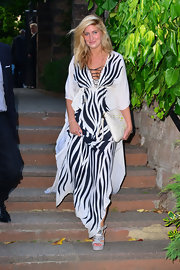 Cheska wore this black-and-white zebra striped maxi for a boho chic look.