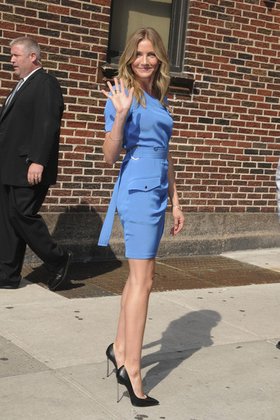 Cameron Diaz gave her blue sheath major sizzle outside of the 'Late Show with David Letterman' in pointy black leather 8593 pumps with spiked heels.
