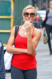 Cameron Diaz kept her workout gear cool with these stylish oversized tortoiseshell circular sunnies.