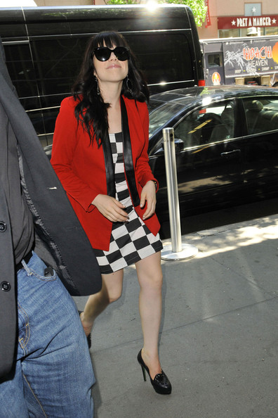 More Pics of Carly Rae Jepsen Blazer (2 of 21) - Carly Rae Jepsen Lookbook - StyleBistro