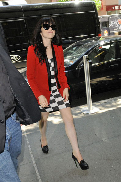 More Pics of Carly Rae Jepsen Blazer (3 of 21) - Carly Rae Jepsen Lookbook - StyleBistro
