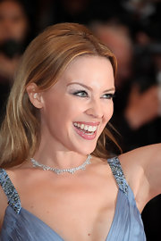 Kylie Minogue wore a pear-shaped white diamond collar necklace set in 18-carat white gold to the Cannes Film Festival closing ceremonies.