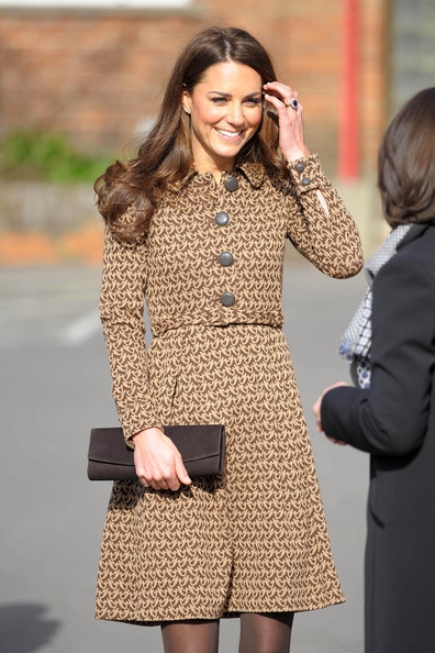 http://www4.pictures.stylebistro.com/pc/Catherine+Duchess+Cambridge+visits+Rose+Hill+el39MMthm9el.jpg